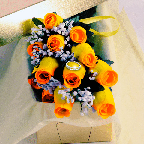 YellowWithOrangeTipsFall_WaxRoses